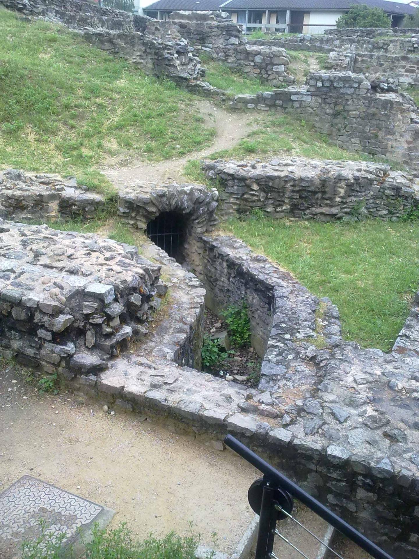 Aqueduc romain lyon