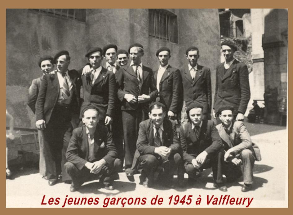 Jeunes garc ons vers 1945